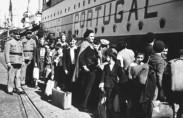 פליטים יהודים בנמל ליסבון, 1941 (תצלום: מוזיאון השואה בוושינגטון)